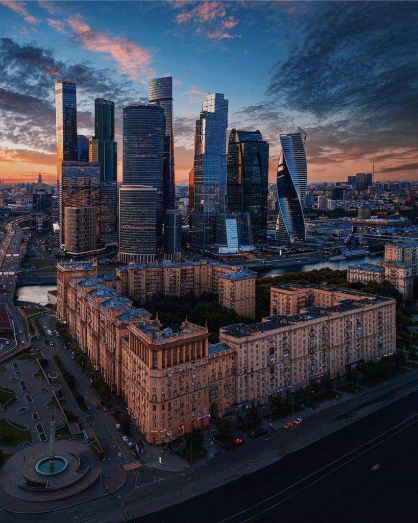 15 место в рейтинге лучших школ России!